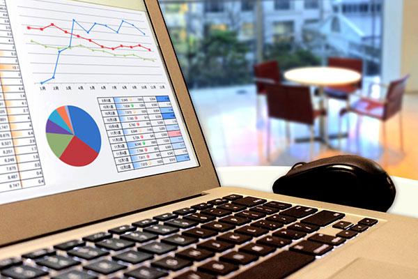 パソコンの数値レポート画面